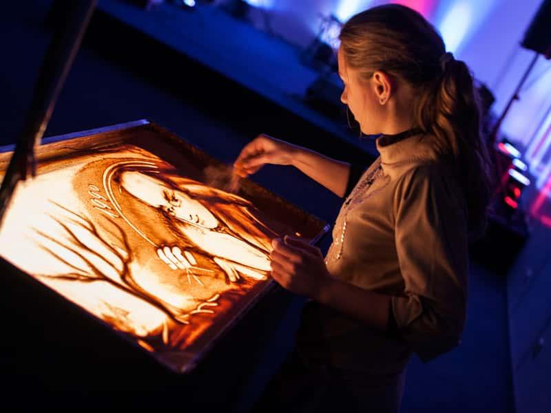 Pokaz malowania piaskiem